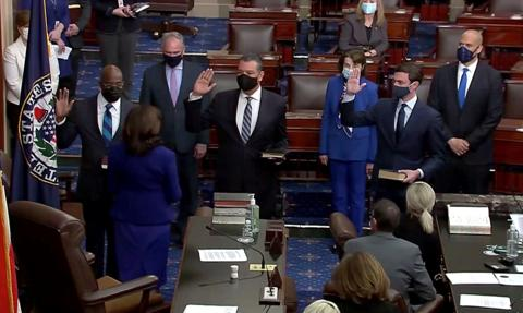 Demokraci przejęli kontrolę nad Senatem USA
