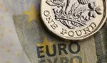Kurs euro znów bez zmian. Funt w górę