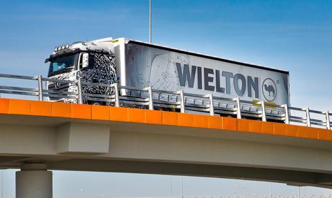 Mimo koronawirusa, produkcja w zakładach Wieltonu w Wieluniu odbywa się normalnie