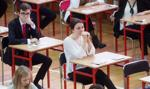 Matury i egzaminy ósmoklasisty przełożone. Szkoły i przedszkola zamknięte dłużej