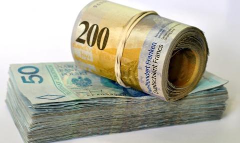 Ponad miliard złotych rezerw banków na kredyty we frankach szwajcarskich w IV kwartale