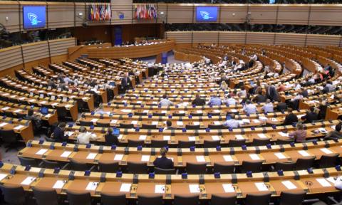 Młodego Polaka nie obchodzi UE