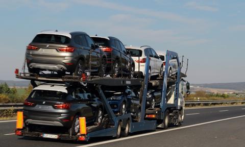 Stare i niebezpieczne auta trafiają z UE do biednych krajów, m.in. z Niemiec do Afryki
