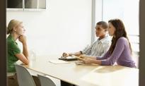 Polecenie kolegi do pracy coraz lepiej płatne