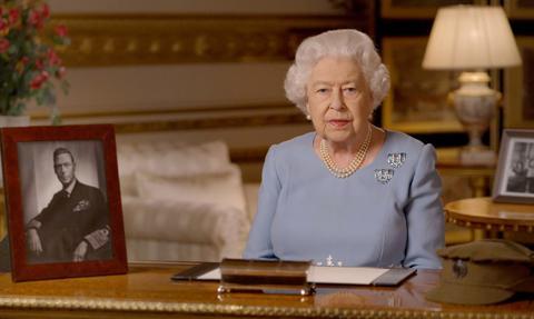 Twórcy brytyjskiej szczepionki na liście odznaczeń z okazji urodzin królowej