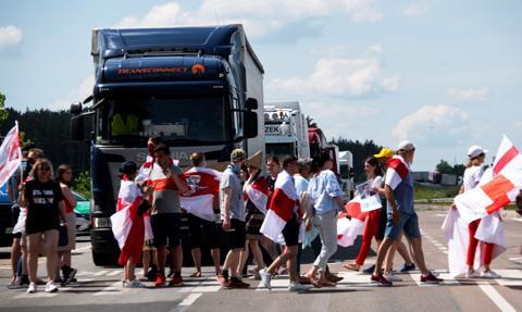 Kolejny protest Białorusinów w pobliżu przejścia granicznego