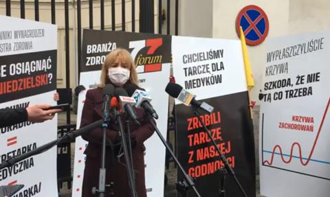 Protest przedstawicieli zawodów medycznych przed Ministerstwem Zdrowia