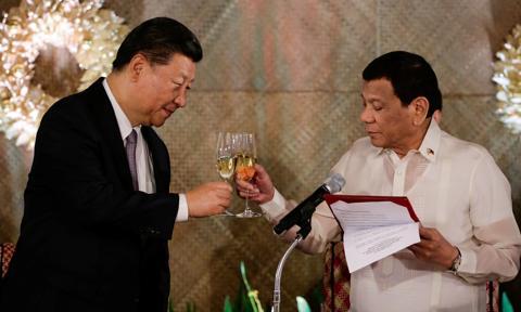 Chiny zostają przyjacielem Filipin. Zbudują kolej, obiecują szczepionki, granty i kredyty