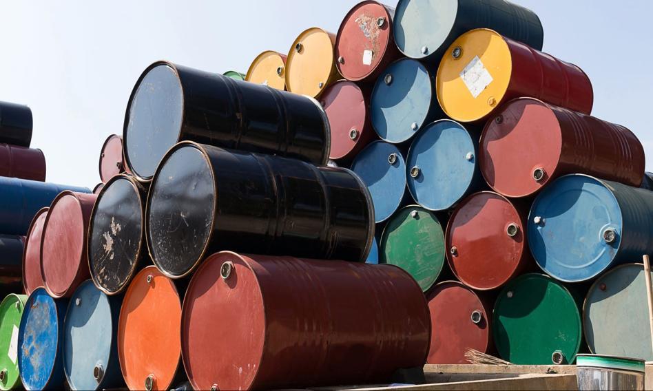 Cena ropy w USA spada. W tle wariant Delta i rosnący popyt