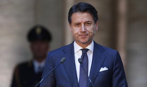 Premier Włoch Giuseppe Conte złożył dymisję na ręce prezydenta