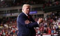 Trump podnosi cła na import z Chin