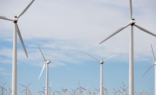 Po wejściu w życie przygotowywanej ustawy o elektrowniach wiatrowych nie będzie można stawiać wiatraków tak blisko domów, jak teraz