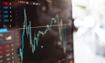 Szalejący funt, inflacja i rozczarowanie płacami [Wykresy tygodnia]