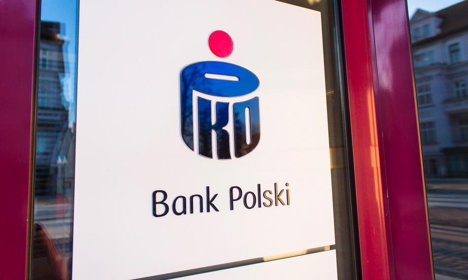 PKO BP przesuwa start ugód z frankowcami