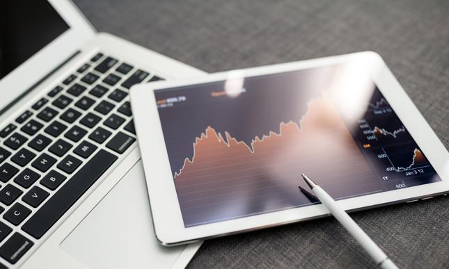 Kredyt online - jak wziąć kredyt bez wychodzenia z domu?