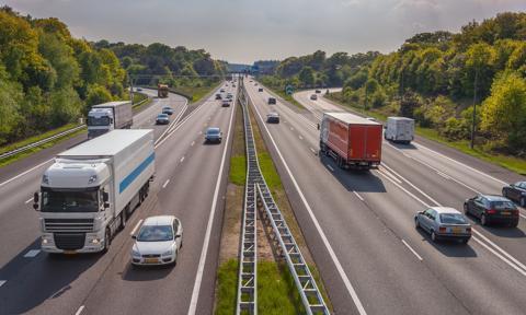 Skarbówka będzie ściągać mandaty za brak opłaty za przejazd autostradą