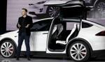 Tesla wycofuje do naprawy 11 000 szt. modelu X