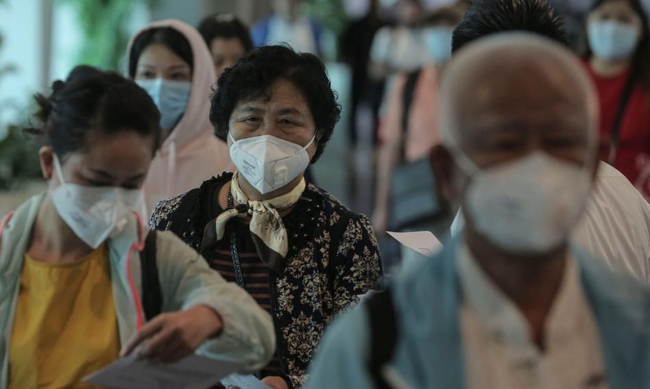 W Chinach na COVID-19 zaszczepiono ponad 1 mld ludzi