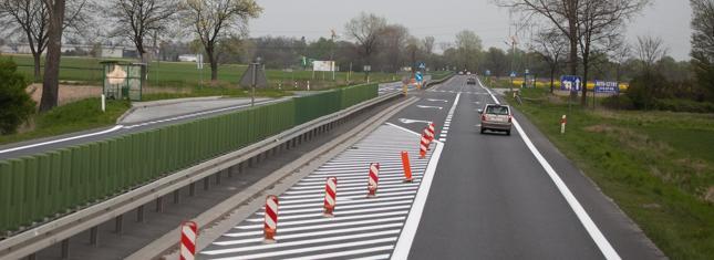 Polska poprawia bezpieczeństwo na drogach, ale wciąż jest w ogonie UE