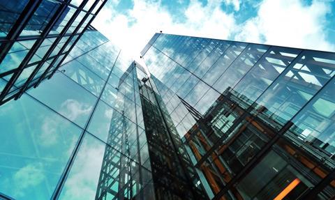 CBRE: w Polsce w nieruchomości komercyjne zainwestowano 4 mld euro przez trzy kwartały br.