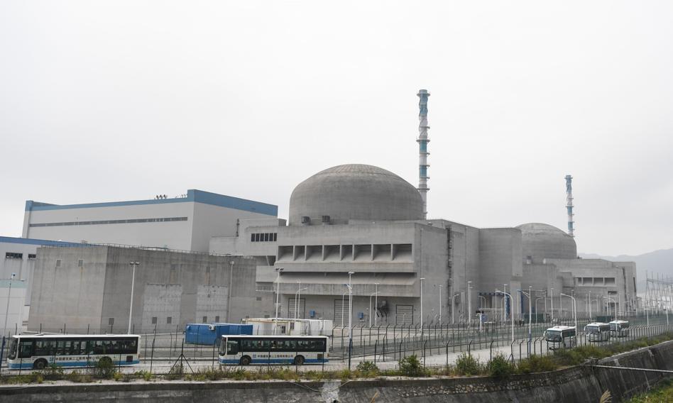 Doniesienia o wycieku z elektrowni jądrowej w Chinach. W Hongkongu niepokój