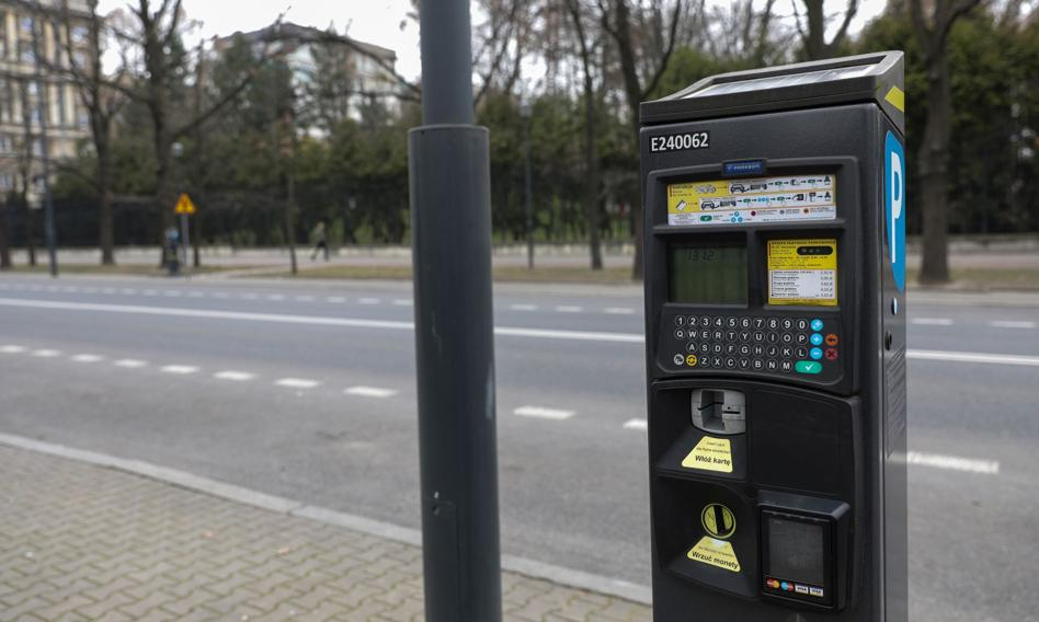 Warszawa rozszerzy strefę płatnego parkowania