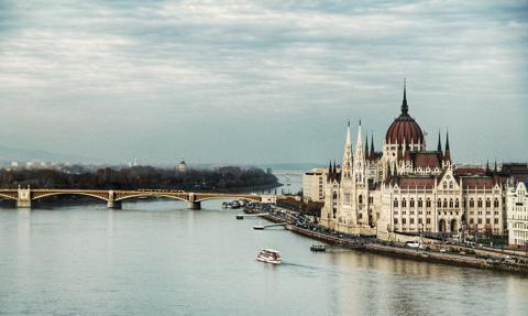 Węgierskie media: Pandemia nie spowodowała fali likwidacji firm