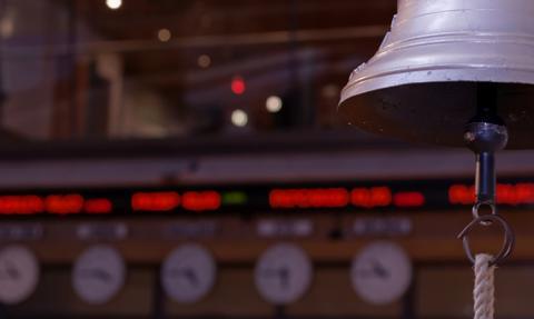 Wyraźne spadki na GPW. CD Projekt i KGHM mocno w dół