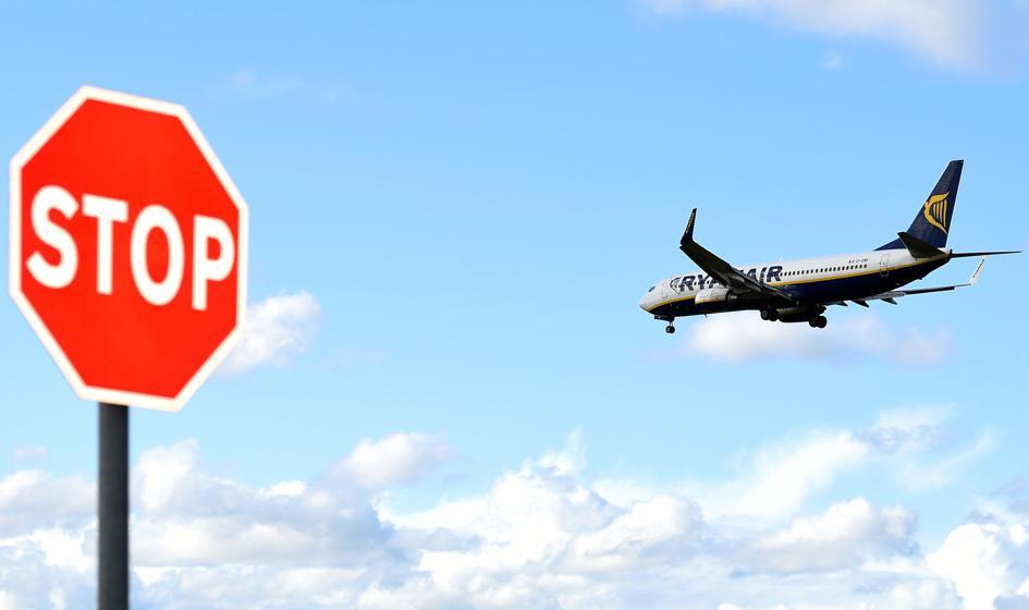 Pasażerowie zatrzymanego w Mińsku samolotu: chaos, bałagan, przerażenie