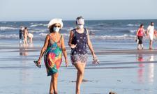 Wakacje w Europie: maseczka na plaży, wyrywkowe testy czy kwarantanna