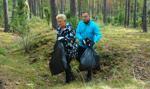Para prezydencka ruszyła na sprzątanie lasu