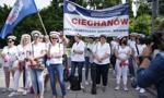 Manifestacja przedstawicieli zawodów medycznych przed Sejmem
