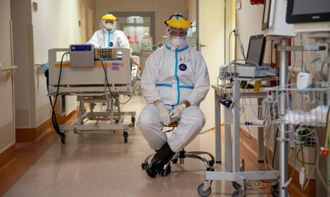 Kraska: Łączny koszt utworzenia szpitali tymczasowych w Polsce wyniósł 591 mln zł