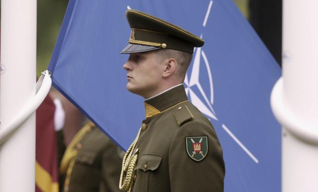 Litwa zobowiązała się zwiększyć wydatki na obronność