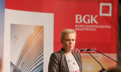 Prezes BGK: Instrumenty kryzysowe będą obowiązywać co najmniej do połowy 2022 r.