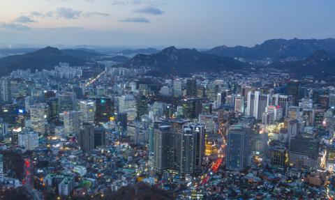 Restrykcje w Seulu w związku z nową falą zakażeń koronawirusem