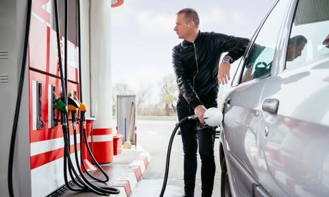 Podwyżki cen paliw wyhamowały