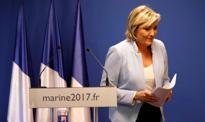 """Marine Le Pen proklamuje w Koblencji powstanie """"nowego świata"""""""
