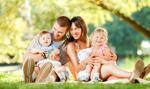 GUS: Wzrost urodzeń nie pomaga. Polaków wciąż ubywa
