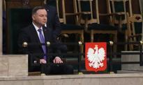 Sejm uchwalił 1400+ i podwyżkę zasiłku dla bezrobotnych