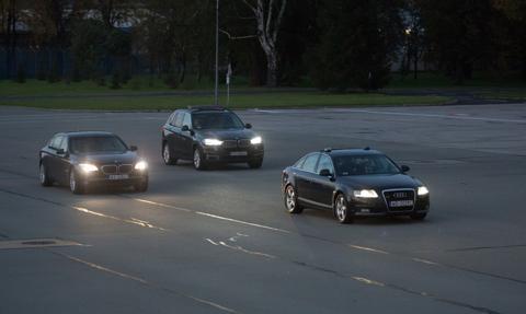 308 nowych aut dla władzy