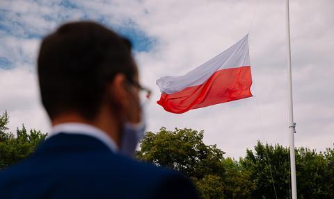 Rząd się zadłużył, Polska się oddłużyła