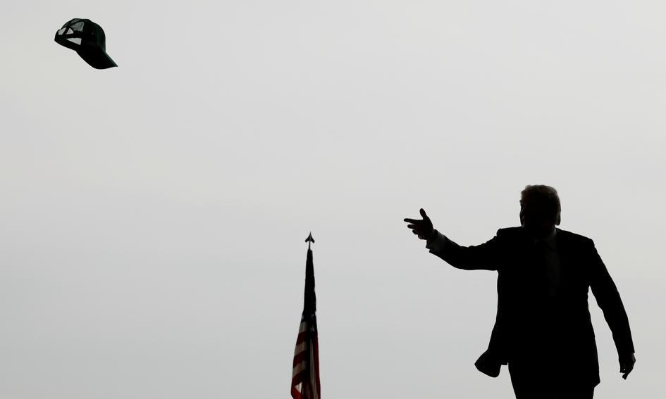 Trump rusza na wojnę. Na Wall Street silne spadki