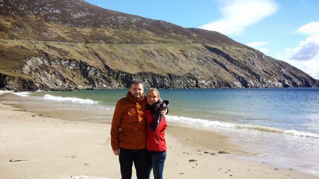 """""""Dublin leży na małej wyspie – w ciągu 3 godzin jesteś w stanie dostać się na drugie wybrzeże, które jest już wybrzeżem Atlantyku, z klifami, delfinami, z oceanem, wielkimi falami itd."""""""
