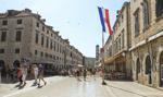 """Chorwacja: """"protest porzuconych butów"""", których właściciele wyemigrowali"""