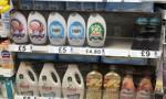 Brytyjskie sklepy zapełniają półki... zdjęciami produktów