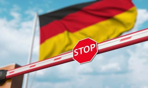 Niemcy zaostrzą restrykcje. Gastronomia, kina, teatry czy kluby będą zamknięte