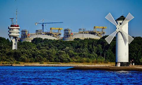 Jest pozwolenie na budowę trzeciego zbiornika w terminalu LNG w Świnoujściu