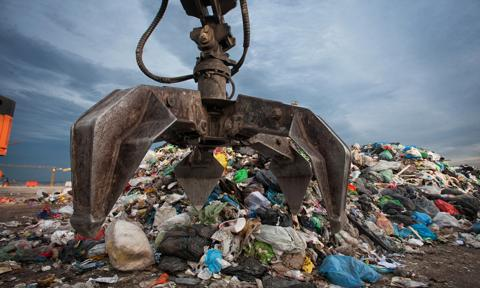 Ozdoba: Do końca roku chcemy znowelizować przepisy zw. z nielegalnym importem odpadów