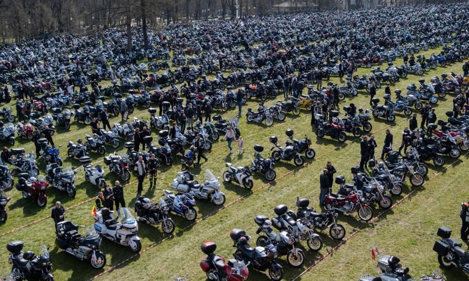 10 tys. motocyklistów na zlocie w Częstochowie mimo pandemii. Prokuratura i sanepid zbadają sprawę